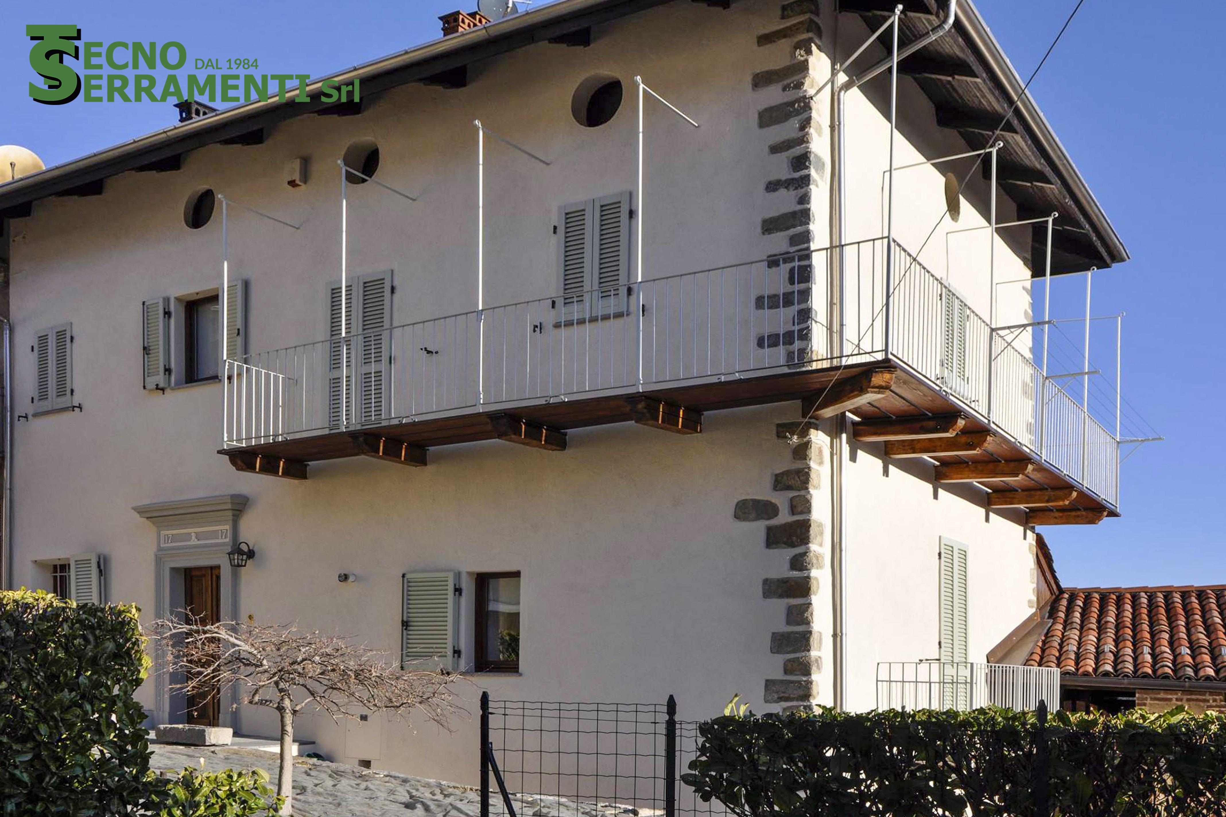 Abitazione privata: persiane a murare